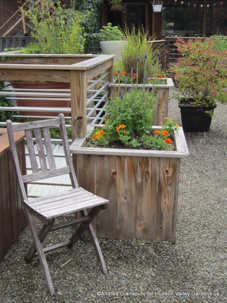 Roof Garden Chair and pea gravel