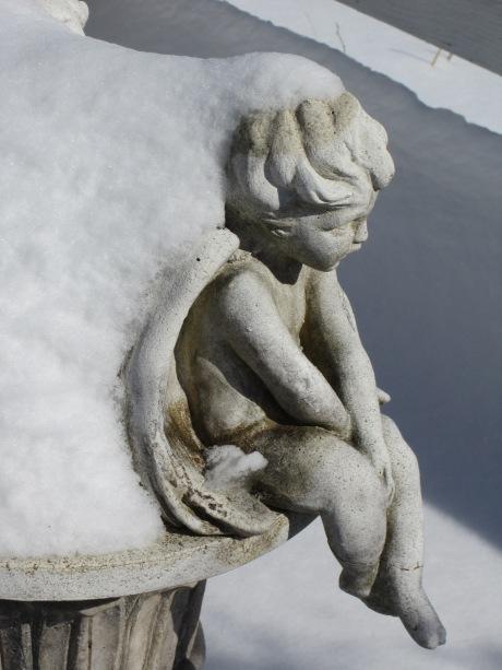 Garden sculpture in the snow, Hudson Valley, NY. Source: HudsonValleyGardens.us