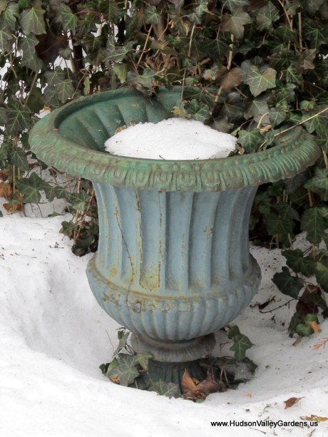 vintage metal garden urn, from www.HudsonValleyGardens.us