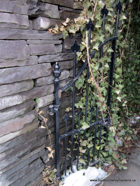 vintage metal gate with ivy detail, from www.HudsonValleyGardens.us