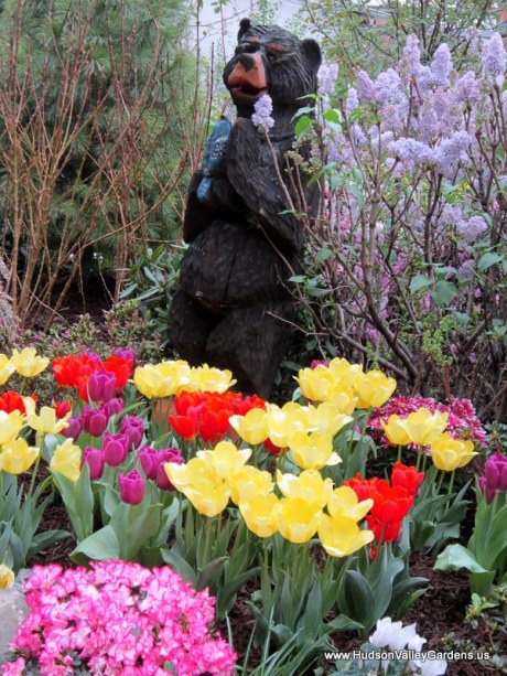 Wooden sculpture, black bear with blue jay, www.HudsonValleyGardens.us