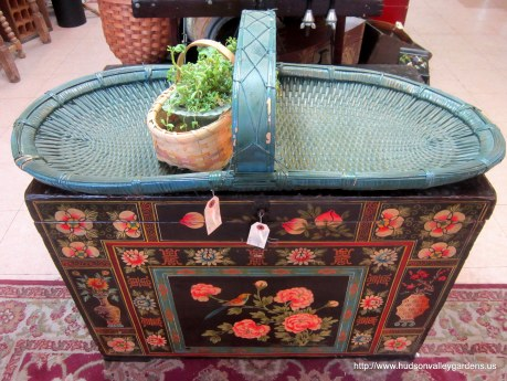 antique_painted_ gathering_garden_ basket_www.hudsonvalleygardens.us
