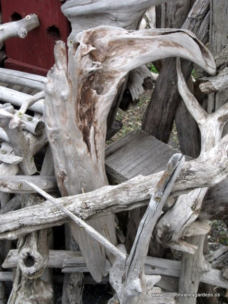 A piece of driftwood that resembles a bird for prey such as an eagle.